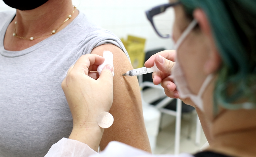 COVID-19: entenda como a tecnologia da EtheriumTech está ajudando na campanha de vacinação